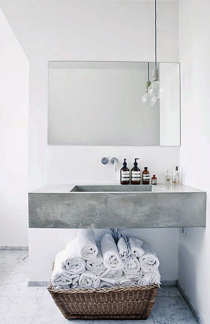 Bathroom | White base with a soft touch | Aesop products