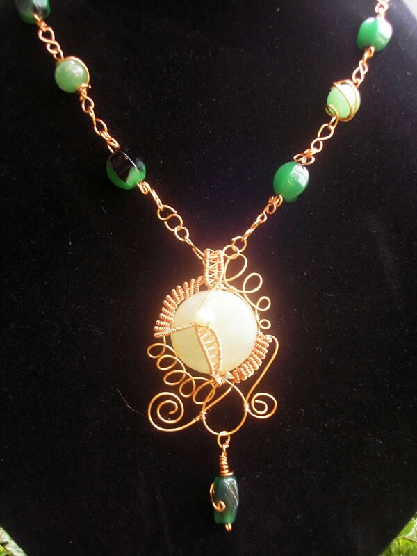 Yellow Stone Wired Necklace