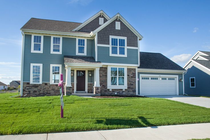 The Hallmark, Plan 2204 - Arts & Crafts | 2 story | 2,204 sq ft | 4 bedroom | 2.5 bath | Oconomowoc, WI