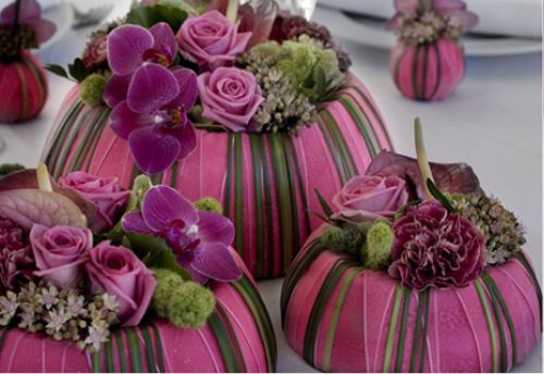 "Flower arrangement ""chique"" -  put up with a choice of several stylish chic colored ribbons and flowers 