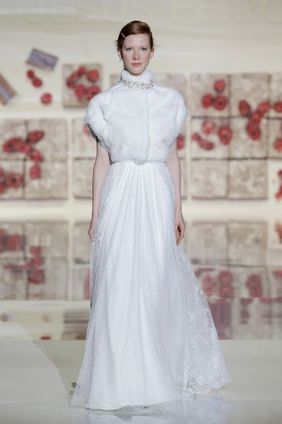 Vestidos de novia cuello cisne 2017: Déjate seducir por su elegancia en tu gran día Image: 24
