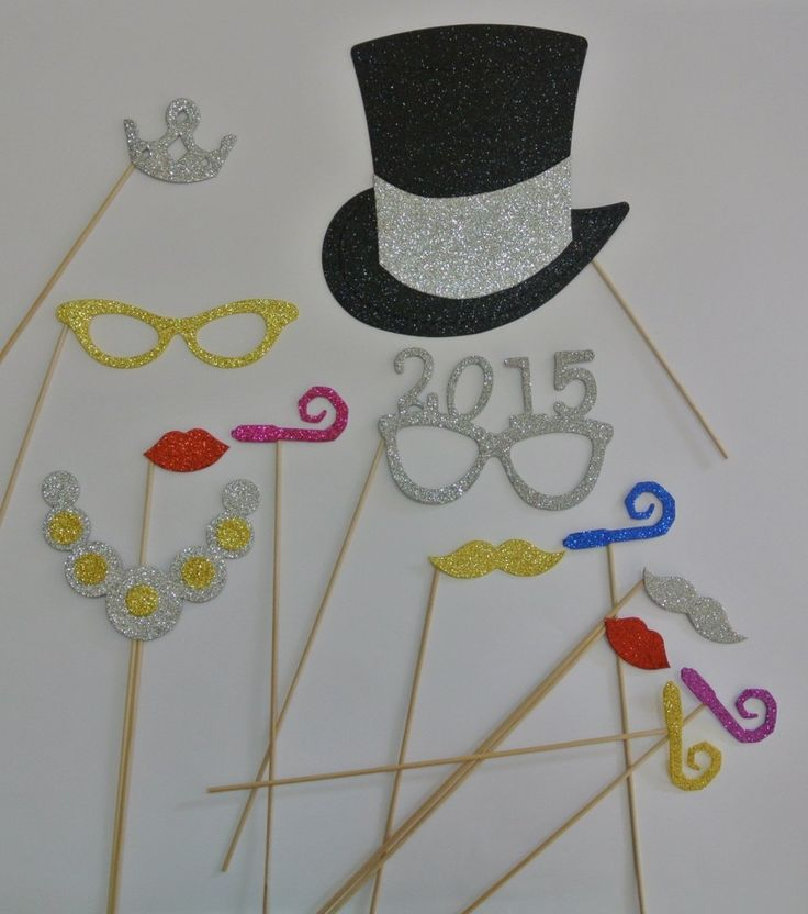 This New Year's Eve Party Supplies 2015 Photo Booth Prop Set is perfect for an adult, family or children's party.