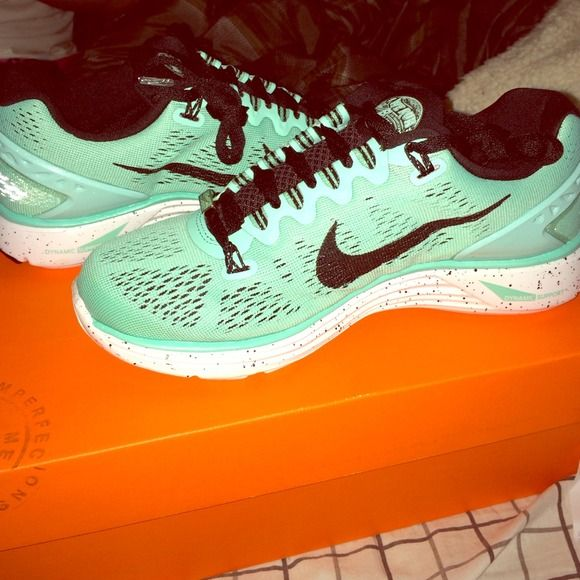 Women's nike sf marathon lunarglide 5 size 5 Brand new. Tiffany color way. Limited edition. Sold out online and in stores. NO TRADE. TRADE INQUIRIES WILL BE IGNORED Nike Shoes