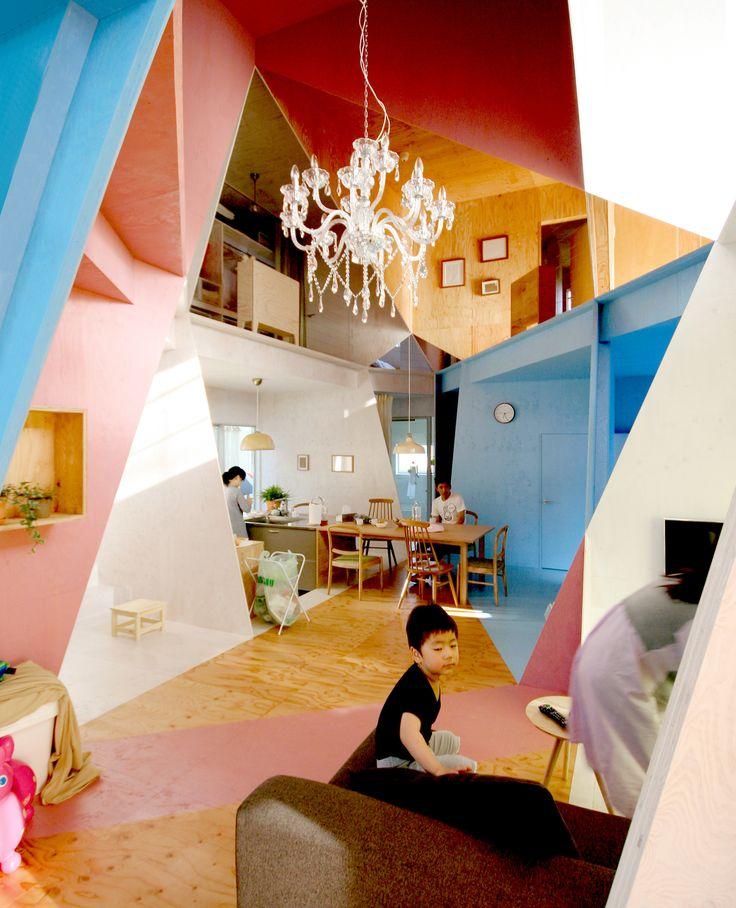 galera arte y apartament house una colorida y geomtrica forma de restaurar
