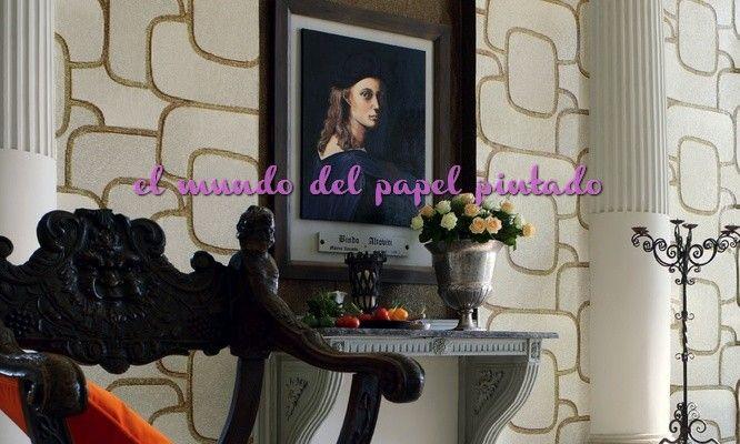 PARADE El barroco se insinúa en el espacio y nos entrega con exuberancia sus ricos brocados, sus suntuosos decorados florales, sus lazos de oro y plata, y revela su desmesura en un telón de fondo depurado.