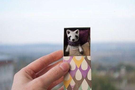 Miniature art raccoon in a matchbox - Tiny pocket toy - Animal pet for kids, BJD, YoSD, MSD, Pukifee, Blythe