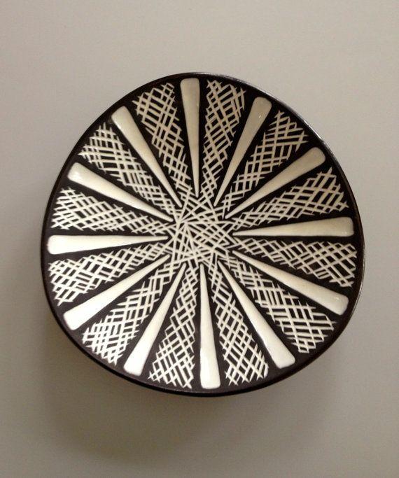Unusual Carstens Tonnieshof Ceramic Triangular Plate 50s W Germany. €60.00, via Etsy.