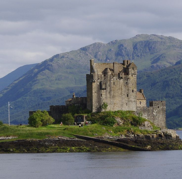 Highland Tours from Inverness to Isle of Skye, Eilean Donan Castle, Outer Hebrides, Scotch Whisky Distillery
