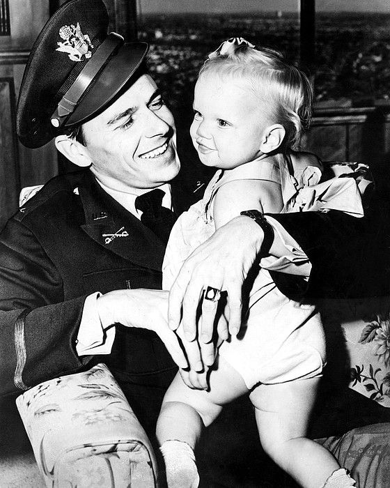 Ronald Reagan, Maureen Reagan, March, 1944