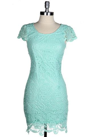 Love this mint-colored dress! Looks like the perfect dress to show off a new, healthy body.
