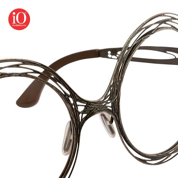 Details of Fil di Ferro models  #ioetichalitalianeyewear #lioocchiali #galsses #handmade #madeinitaly #fashion #eyewear