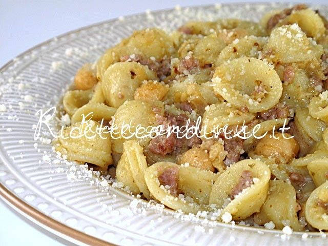 Orecchiette con ceci e salsiccia di Manlio Midori Un'alternativa alle classiche…