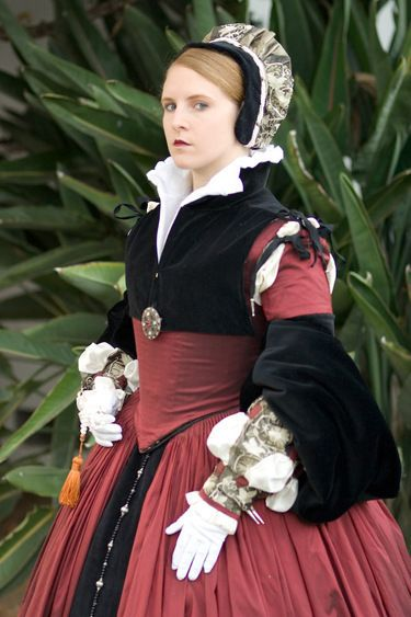 .nice party colored gown--not too sure it's period but it would work for faire