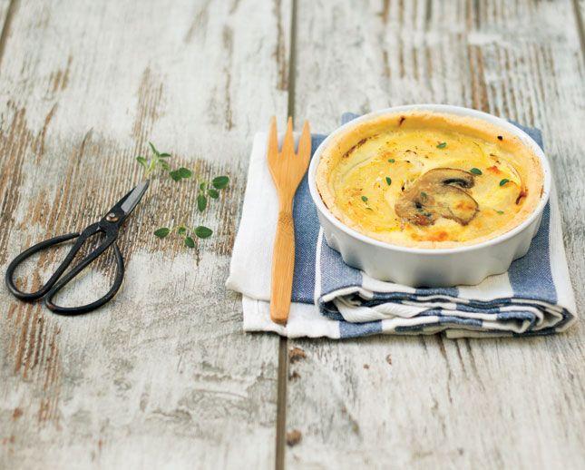 Quiche con funghi e patate: un classico che fa gola anche ai più esigenti. Perfetta da proporre a un pranzo o a una cena, informali e non. Da provare!
