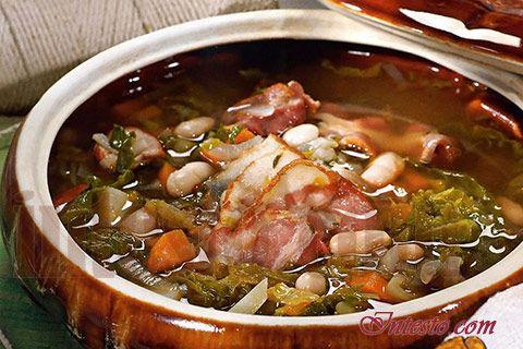 Гарбюр. Французский фасолевый суп с копченостями