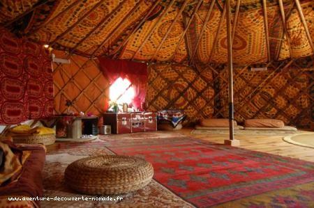 1000 id es sur le th me yurt int rieur sur pinterest for Interieur yourte