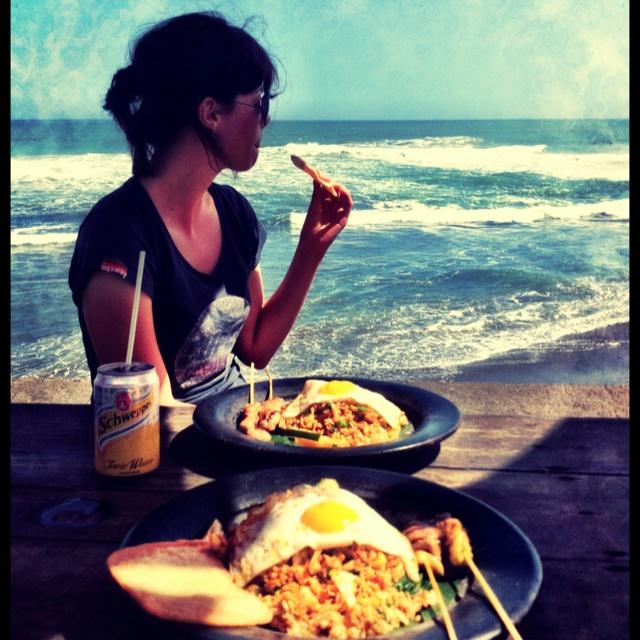 Lunch at Echo Beach
