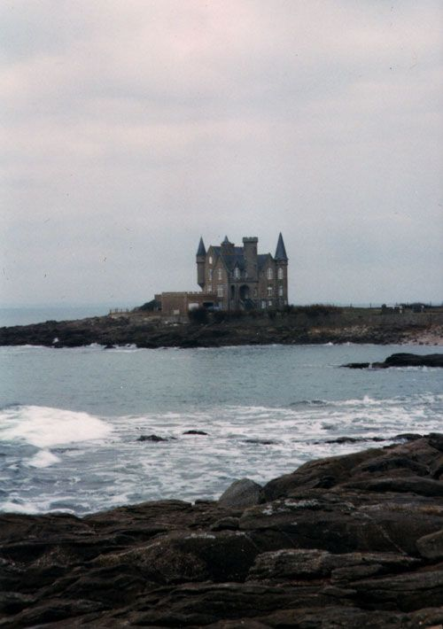 spooky...: Dreams, The Ocean, Haunted Mansions, Haunted House, Castles, Places, Dark Shadows, Sun, The Sea