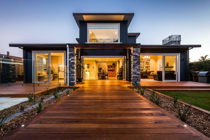 2015 Executive Home | Exterior Linea Weatherboard + Stone