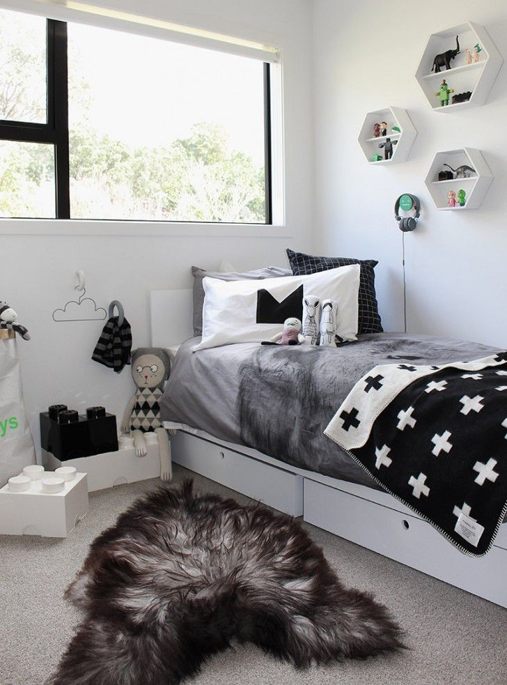 Black and white kids room. Selection of the best kids rooms with decor ideas and inspirations for baby rooms, girls rooms, boys rooms... Cute solutions to make this rooms a happy corner. :) see more home design ideas at: www.homedesignideas.eu