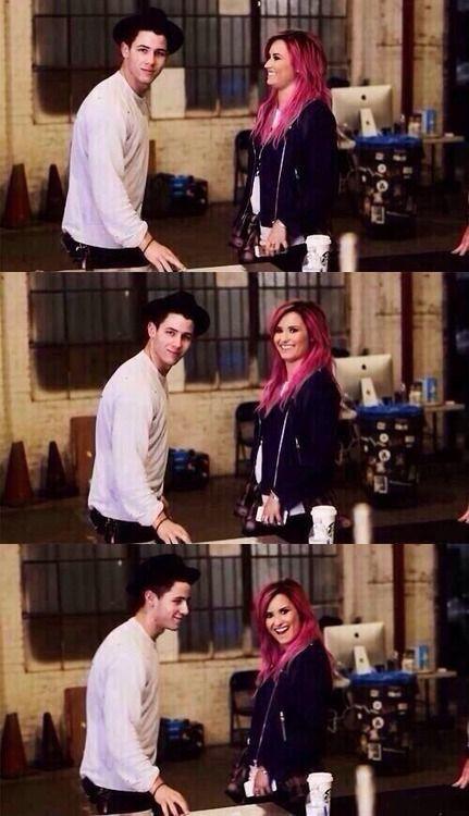 Nemi. Nick Jonas, Demi Lovato