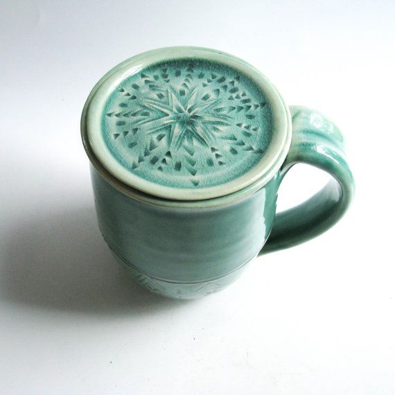Please allow 4-6 WEEKS for this made-to-order mug to be completed.  I love this lidded mug! It is beautiful to look at, comfortable to hold, and