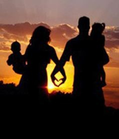Family Portrait Ideas Heart Silhouette...need to keep this in mind at our next outdoor photo shoot