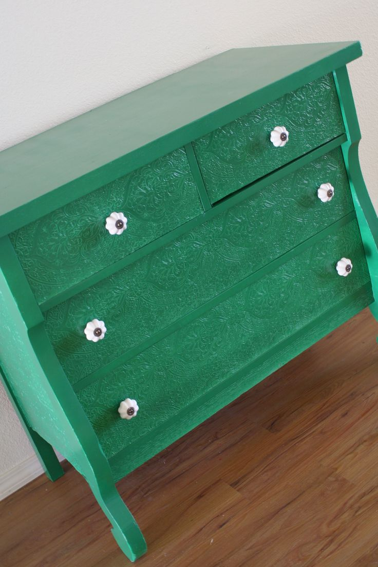76 best images about love pantone emerald on pinterest - How to mix emerald green paint ...