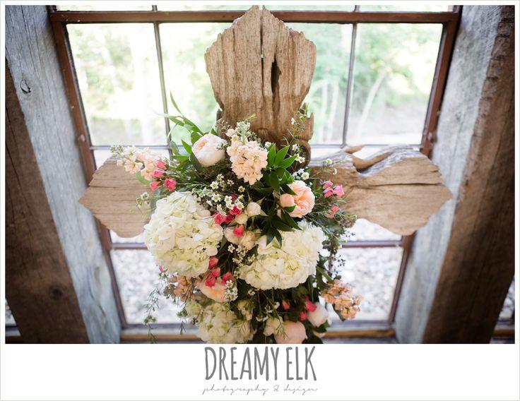 ceremony cross, carter's florist, rustic chic, spring wedding photo, big sky barn, montgomery, texas {dreamy elk photography and design}