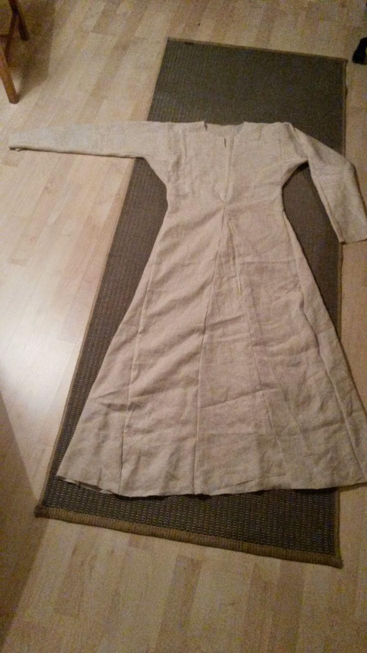 Ett vikingaliv: klänning                                                                                                                                                      Mehr