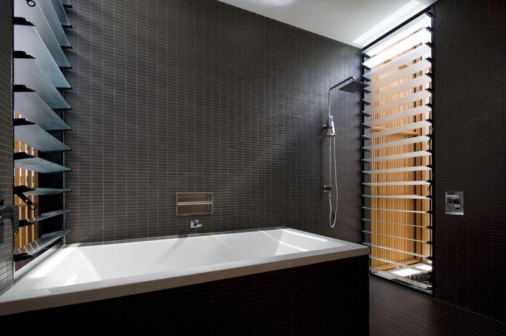 17 beste afbeeldingen over bathroom interior op pinterest art deco badkamer vintage badkamers - Deco badkamer vintage ...
