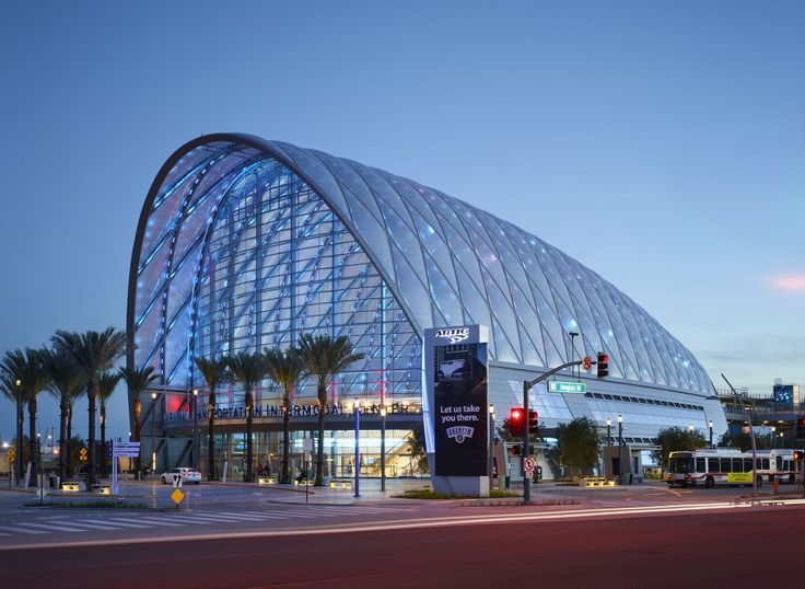 Anaheim Regional Transportation Intermodal Center / HOK