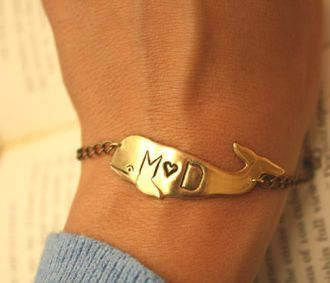 personalized whale bracelet! darling!