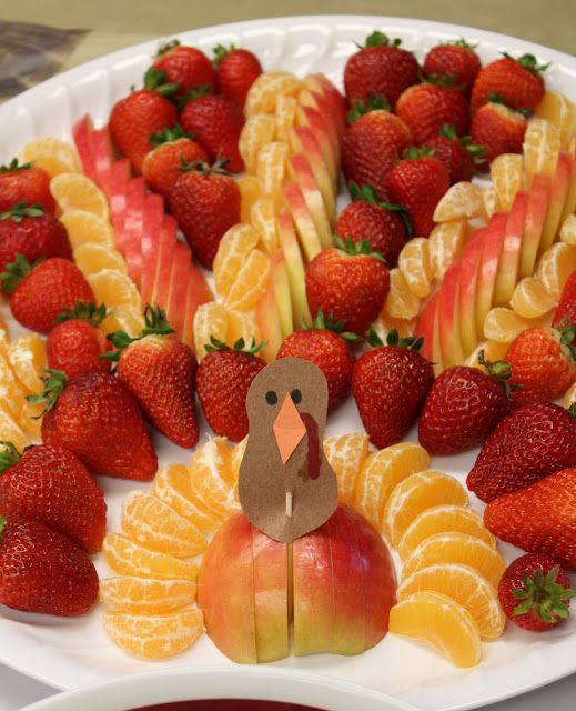 Edible Turkey crafts. I especially like the turkey fruit platters