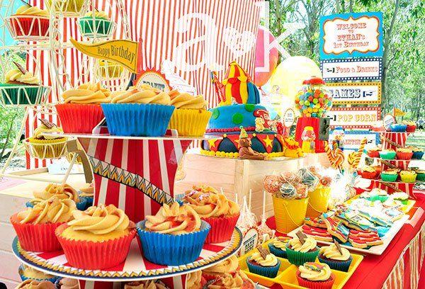 http://aandklollybuffet.com/2013/09/15/circus-themed-1st-birthday-dessert-buffet/