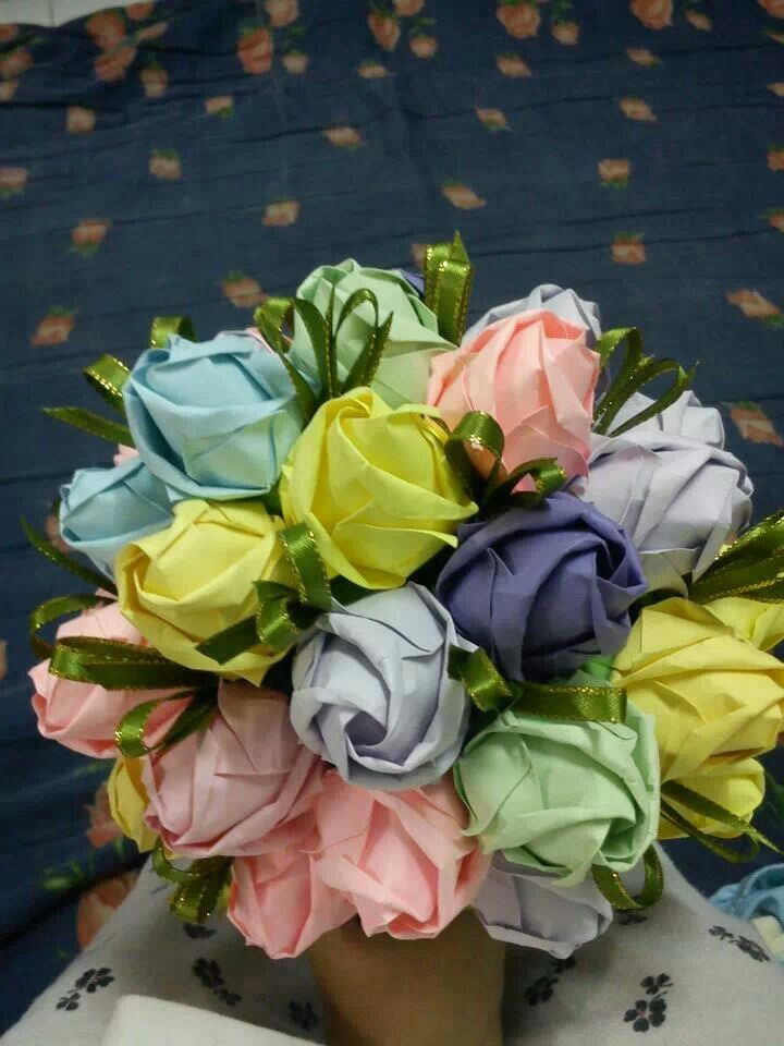 Origami rose bouquet
