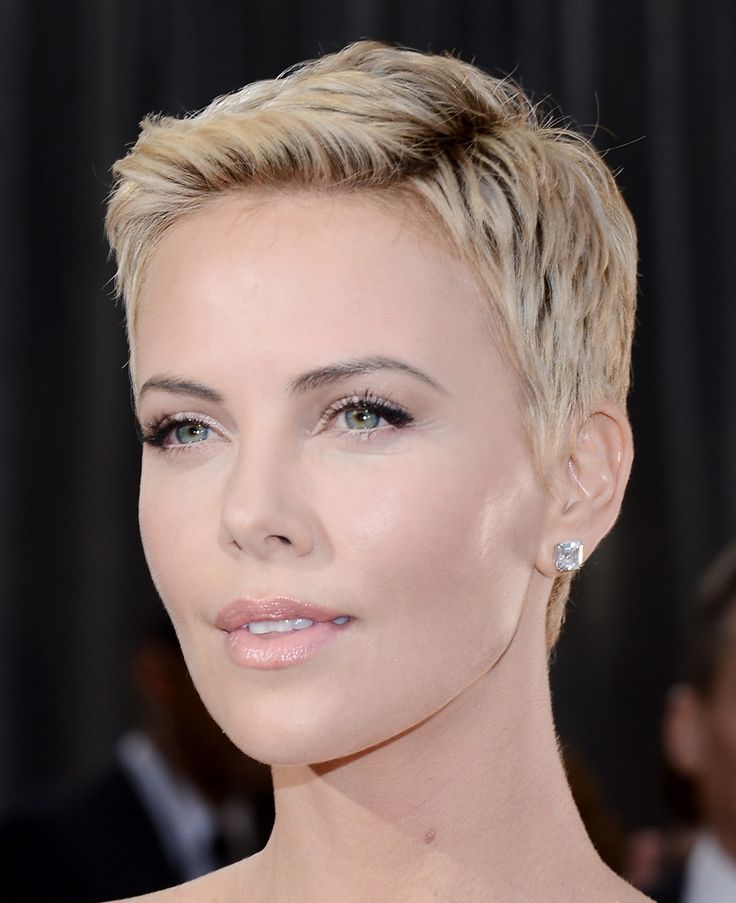 Charlize!! I just really really addore this haircut and this whole look!