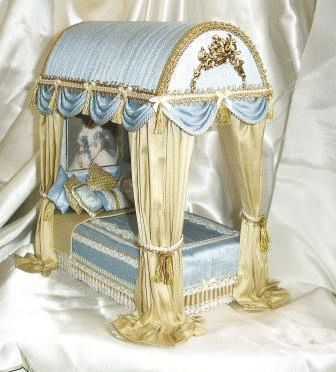 Rococo Field Bed by Simply Silk Miniatures  but can be an inspiration for an elegant pet bed