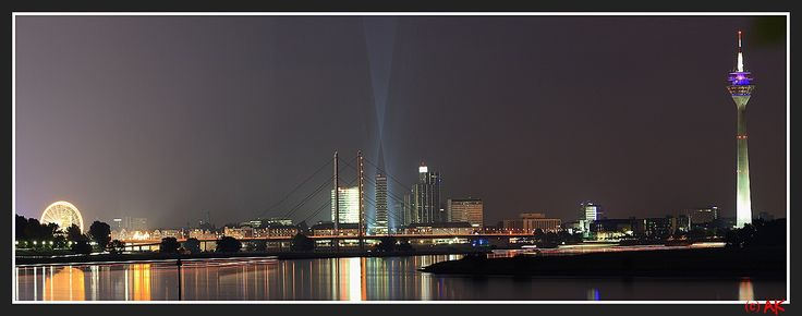The Düsseldorf Skyline by night © akphotographie