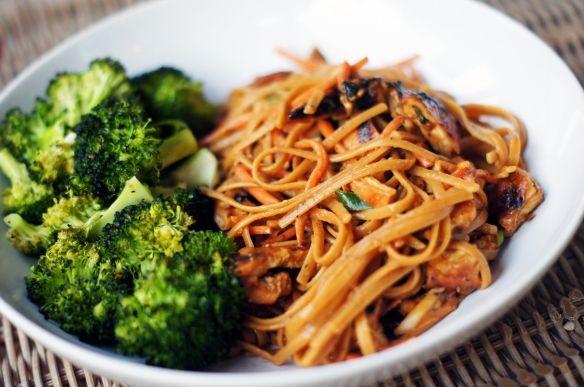 Glazed Chicken and Szechuan Noodle SaladAsian Recipe, Szechuan Noodlesalad, Szechuan Chicken, Salad Recipe, Glaze Chicken, Asain Food, Sony Dsc, Noodles Salad, Blog Things