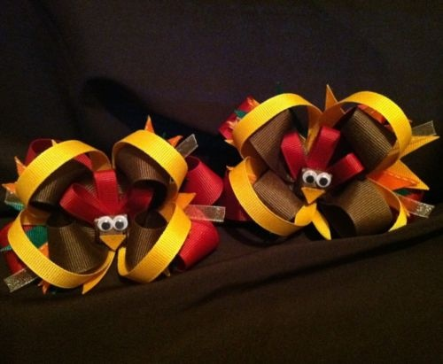 have to learn how to make these!Thanksgiving Turkey, Holiday Ideas, Turkey Bows, Diy Fall Hairbows, Turkey Hair, Boutiques Hair Bows, Big Bows, Diy Fall Girls Hair Bows, Bows Ideas