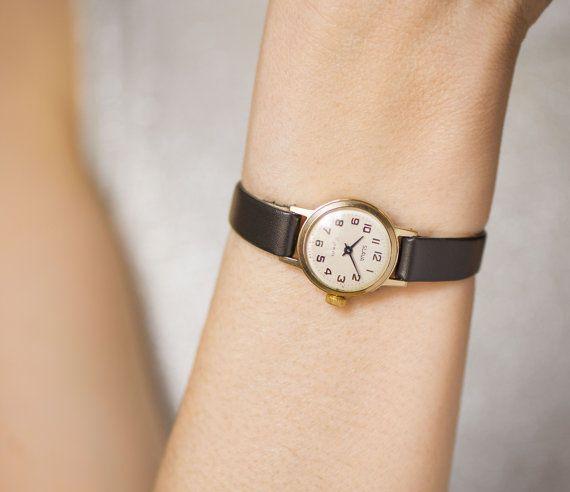 Placcato in oro orologio da donna della gloria di SovietEra