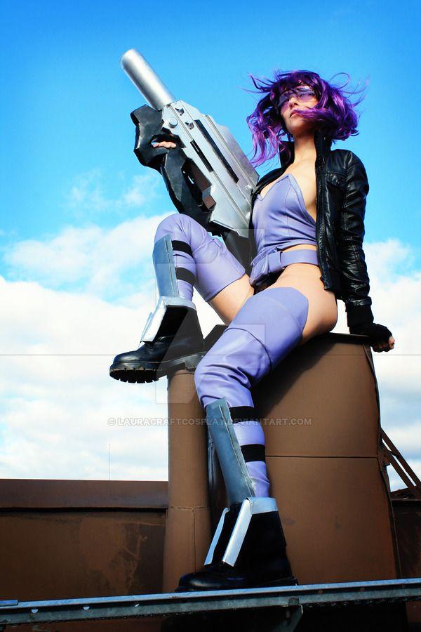 http://img09.deviantart.net/17e2/i/2016/279/6/f/motoko_kusanagi_ghost_in_the_shell_cosplay_by_lauracraftcosplay-d6phz0z.jpg