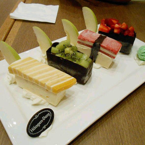 Sushi Ice Cream at Haagen Dasz    Photo Source: foodspotting  Info Restaurant: http://www.qraved.com/Jakarta/haagen-dazs-kuta