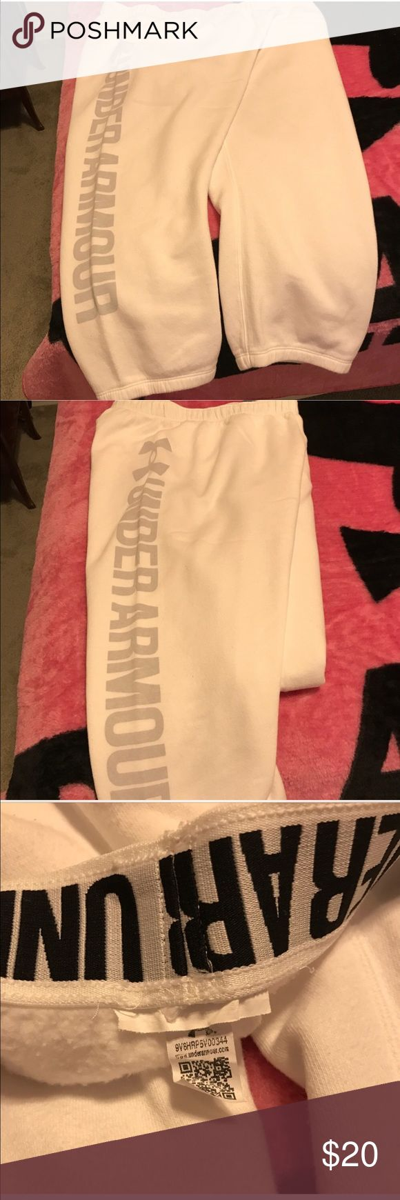 Women's Under Armour Walking/Jogging Capris NWOT Women's Under Armour Jogging/Walking Capris. These are New, I just tried them on, Never wore them. Capris are White with Grey lettering. They're soft and very warm. Size: XXL 🚨Sorry, No Trades 🚨 Under Armour Pants Capris