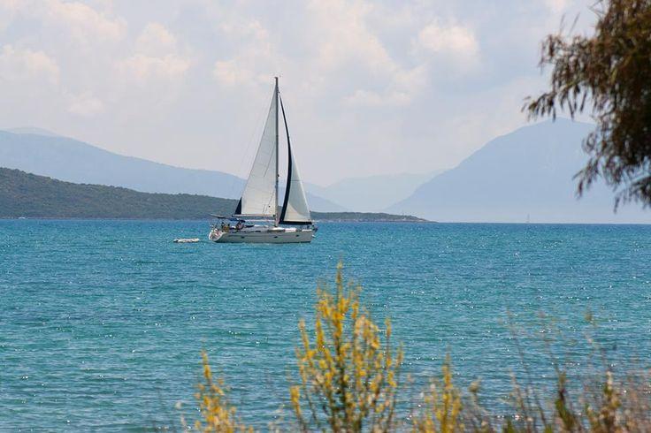 summer 2016 loading #lefkadaslowguide #lefkadazin #lefkada #sea #boat #summer #island #sky