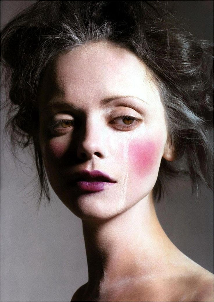 Unusual makeup...   (saw this in a magazine when I was about 14, loved it and didn't see it again till now!)