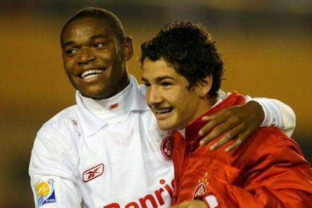 Meninos Luis Adriano e Alexandre Pato, decisivos na conquista do Mundial.