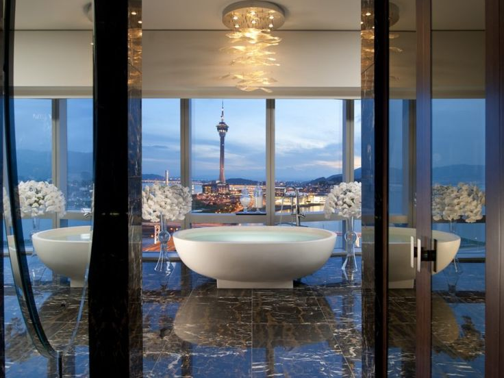 Presidential suite bathroom at the mandarin oriental hotel for Most expensive hotel in macau
