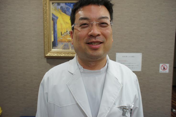 大阪で睡眠時無呼吸症候群(睡眠障害・無呼吸) の専門的治療をしている松澤呼吸器クリニック、松澤 邦明院長先生。